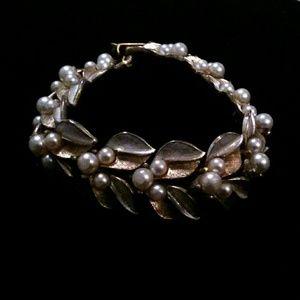 Vintage Two Tone Faux Pearl Leaf Link Bracelet